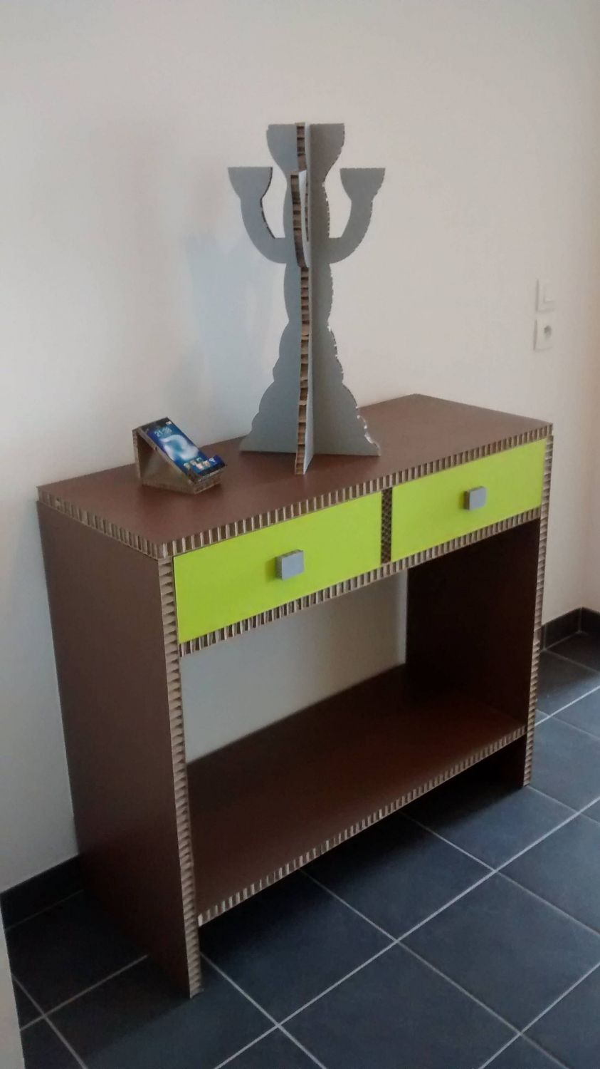 Home staging avec mobiliers carton